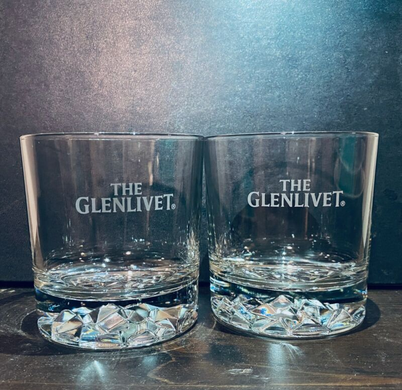 Glenlivet Heavy Rocks/Scotch Glasses Thick Ice Crystal Base Etched (Set of 2)