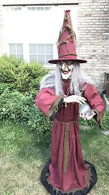 ANIMATED LIFE SIZE Witch Old Lady HALLOWEEN PROP FIGURE Talking