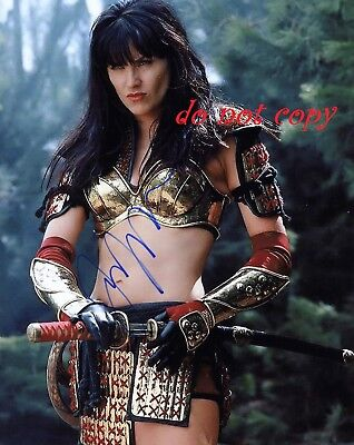 Lucy Lawless   Xena Autographed Picture Signed 8X10 Photo Reprint
