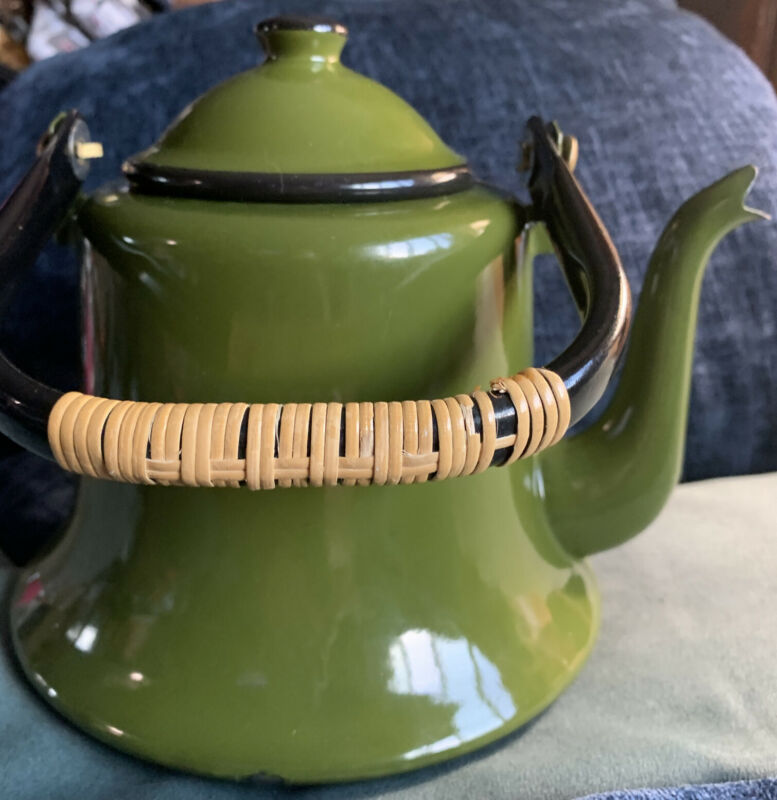 VINTAGE ENAMELWARE DARK GREEN KETTLE TEA POT FARMHOUSE DÉCOR