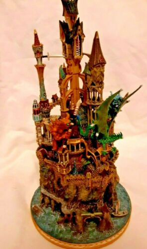 The Enchanted WIZARDS  Castle Danbury Mint