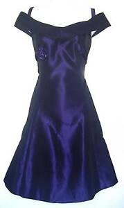 Sensational satin acetate party dress. Sz 14/16 Modbury Heights Tea Tree Gully Area Preview