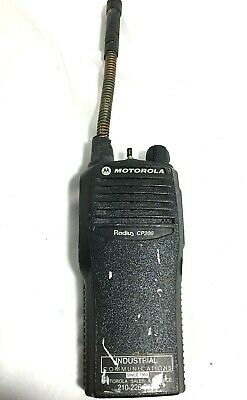 Motorola Cp200 Aah50kdc9aa1an Portable Two-way Radio