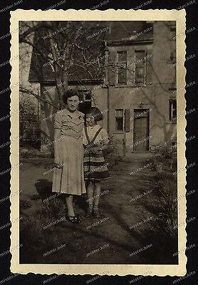 Foto-Magdeburg-Birkenweg-Frau-Mädchen-1951-2