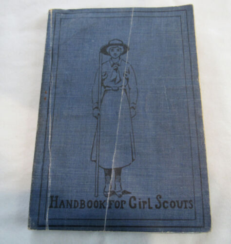 HOW GIRLS CAN HELP THEIR COUNTRY, Scout Handbook 1917 RARE CHRISTMAS GIFT