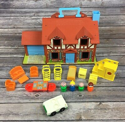Vintage Fisher Price Play Family House #952 Tudor Style + 14 Furniture 4 People