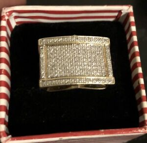 10K DIAMOND GOLD RING (NO TRADES)