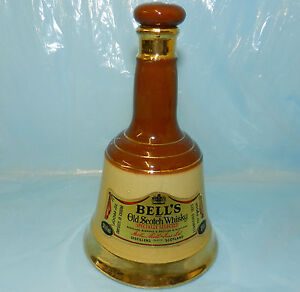 ★ VINTAGE WADE BELLS OLD SCOTCH WHISKY 10