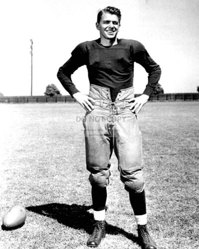 "RONALD REAGAN IN ""KNUTE ROCKNE, ALL AMERICAN"" - 8X10 PUBLICITY PHOTO (AA-056)"