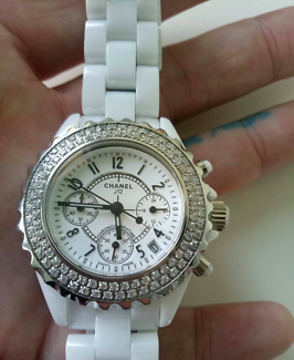 Chanel j12 watch