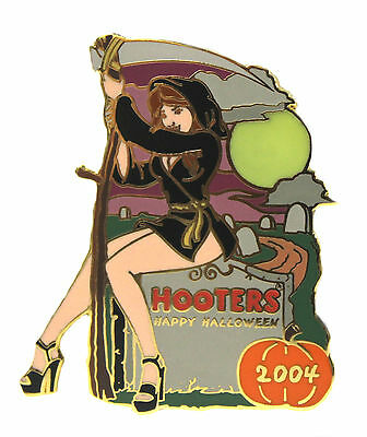 HOOTERS RESTAURANT COLLECTABLE HAPPY HALLOWEEN GRIM REAPER WITCH GIRL LAPEL PIN