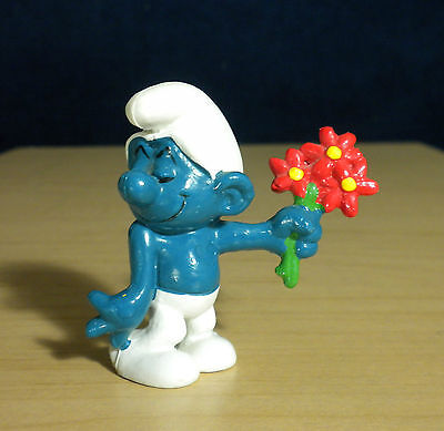Smurfs Red Flowers Bouquet Smurf Lover Vintage Toy Figure Peyo 1980s PVC 20044