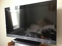 """Sony Bravia KDL-32EX301 32"""" 720p HD LCD Television with stand"""