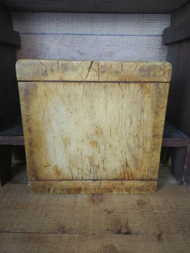 Antique Wooden Farmhouse Kitchen Cutting Board - Bread Board