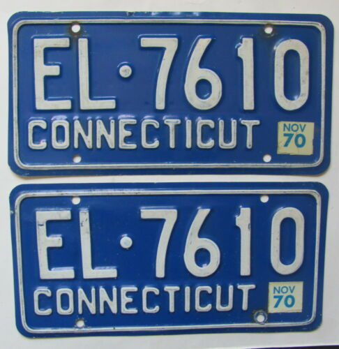 1968 1969 1970 Connecticut car license plates PAIR