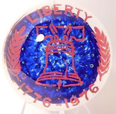 "VINTAGE JOHN GENTILE Commemorative "" LIBERTY 1776 - 1976 "" Art Glass Paperweight"