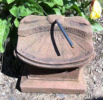 Sonnenuhr stehend klein Kunst Sandstein Antik Look Steinguß C 05 ROT