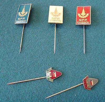 5 Anstecknadeln aus der ehemaligen CSSR - Dukla und SPP Svidnik - mit Schachtel
