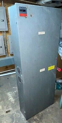 Westinghouse Xuk327 800-amp 240-vac 3-pole Double Throw Manual Transfer Switch