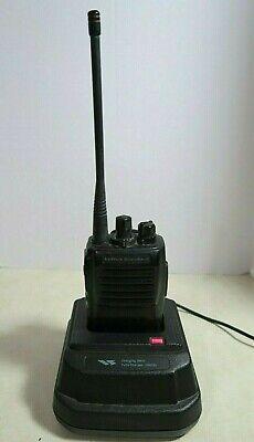 Vertex Standard Vx-417-4-5 Uhf Radio 450-490 Mhz With Charger