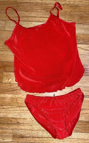 VTG 70s ~ PLEATED ~ 2 Pc ~ PLAYFUL SEXY BABY DOLL ~ CAMI & PANTIES SET ~ L/38-40