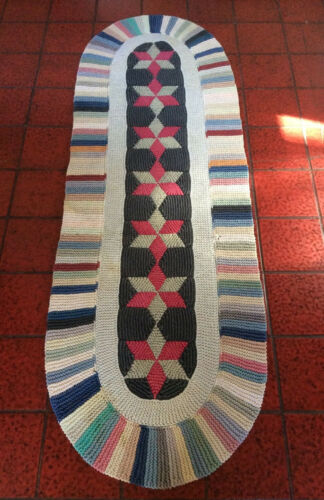 "VTG JUDI BOISSON  Folk Art Oval Long Cotton Farmhouse Knitted Rug Runner 74""/24"""