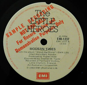 THE-LITTLE-HEROES-MEGA-RARE-SAMPLE-PROMO-OZ-INDIE-POP-45-1983