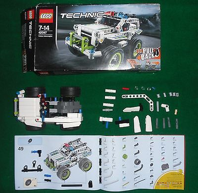 LEGO Techinic 42047 Jeep POLICE INTERCEPTOR Pull Back Car Incomplete Spare Parts usato  Cannavo