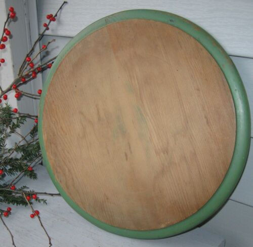 ANTIQUE ROUND WOODEN BREAD BOARDW/GREEN PAINT BORDER 13""