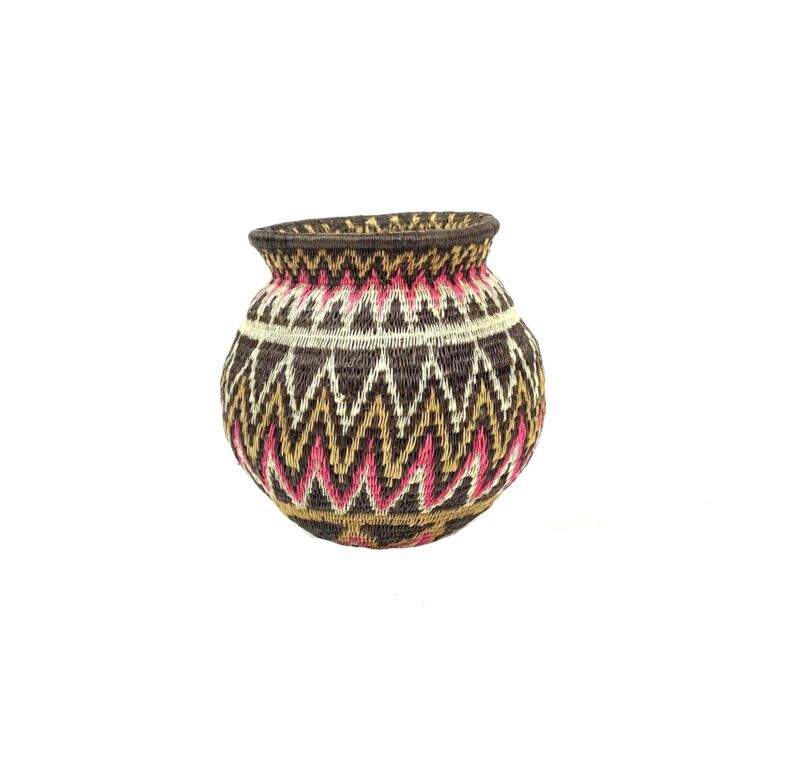 Alina Itucama. Wounaan Baskets. Geometric Brown and Pink Design. Darien Province