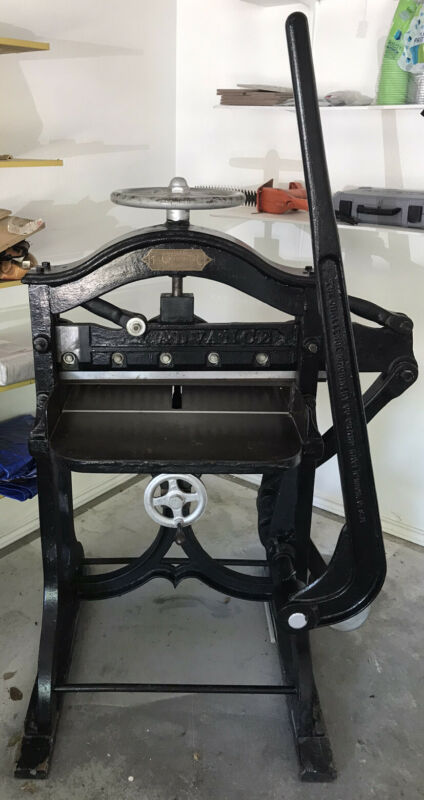 Antique THE CHALLENGE MACHINERY Old PAPER CUTTER circa 1890's Printer Press