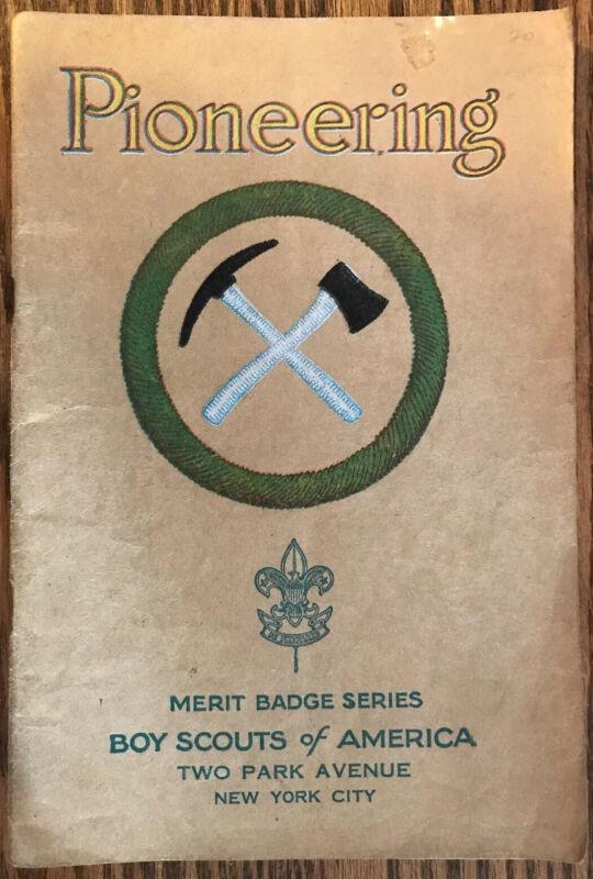 """"""" PIONEERING"""" Boy Scout Merit Badge Series Booklet ~1930~ Tan Series"""