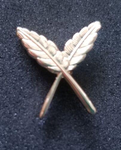 Secretary Officers Lapel pin  Masonic Mason Crossed Quills Gold