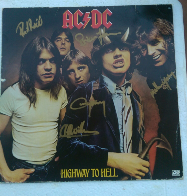 e61f32dc4121 AC   DC Signed Records and covers.   Collectables   Gumtree Australia Gold  Coast South - Coolangatta   1171385526