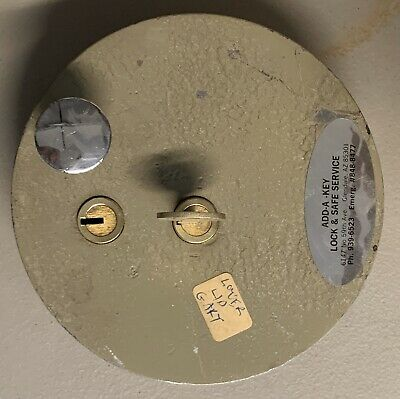 Gary Safe Lower Lid Boxman Safetech Locksmith Only 1 Working Key. Missing 1 Key