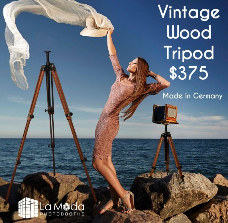 Berlebach Tripod Report 823 USA Stock Rare Nut Wood Brown Color Vintage Tripod