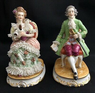 6,7 cm 2,65 approx Small porcelain figurine