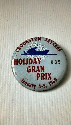 Vintage Button Pin Back Crookston MN Jaycees Holiday Gran Prix 1969 Nice