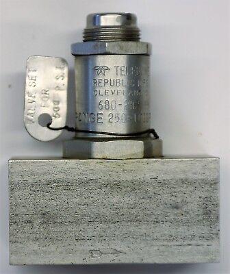 """TELEDYNE pop off VALVE 680-202, set for 500 psi, ¼"""" Ports. NOS"""