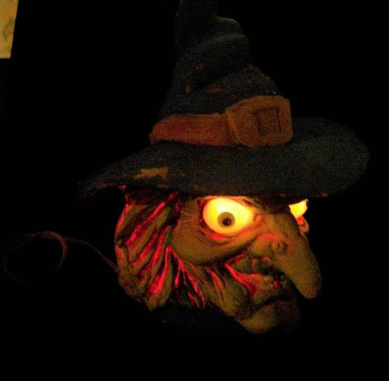 1993 Trendmaster Witch Halloween LIGHTS UP Really UGLY Party Prop