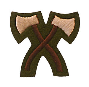 Issue-Army-Colour-Assault-Pioneer-Qualification-badge-Crossed-Hatchets-Khaki