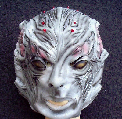 DELUXE ANDROID HALLOWEEN MASK RUBBER MASK RED LIGHTS BATTERY OPERATED ONE SIZE - Android Halloween