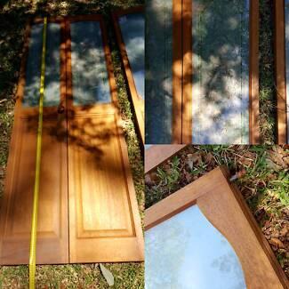 Bi-Fold doors x 2 Timber w. Etched/Opaque Glass insert