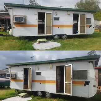 Huge 24 ft Franklin Caravan with shower and a/c Loganholme Logan Area Preview
