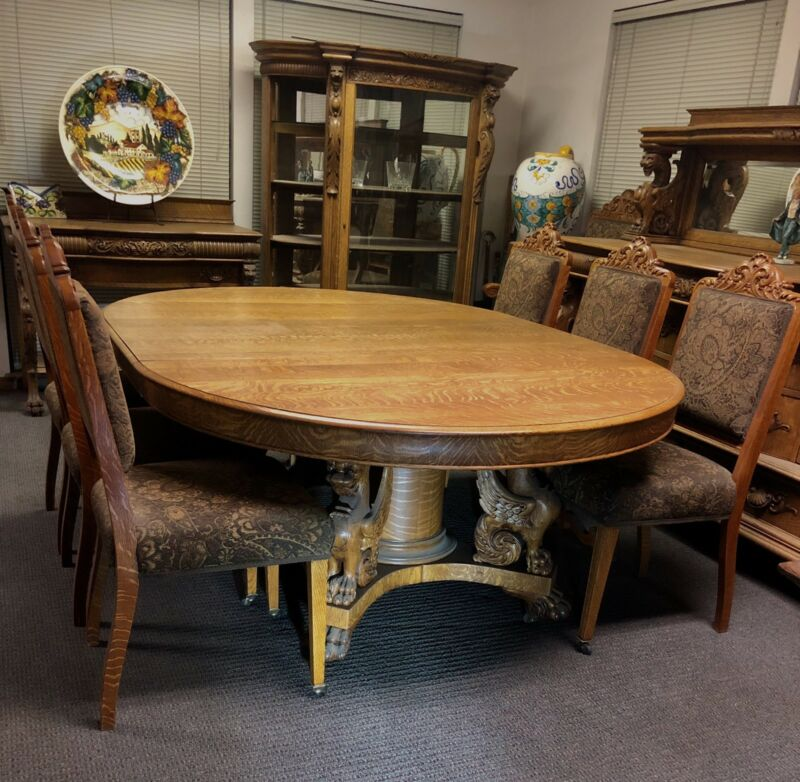 VICTORIAN 1880, RJ HORNER DINING SET WINGED GRIFFIN TIGER OAK QUARTER SAWN