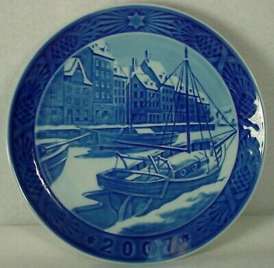 ROYAL COPENHAGEN company CHRISTMAS Plate 2007 Christmas in Nyhavn - 7-1/4