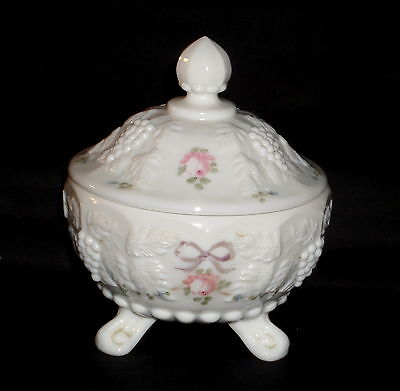 """Westmoreland PANELED GRAPE ROSES & BOWS WHITE*4 3/4"""" FOOTED CANDY w/LID*PG103"""