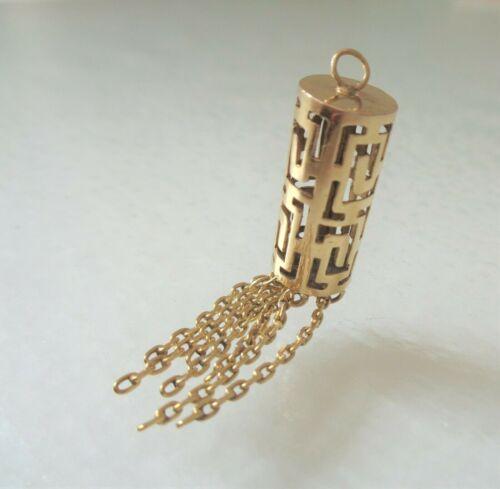 10K Yellow Gold, Vintage, 3.3 grams, Unique Detailed Openwork Tassel Pendant.