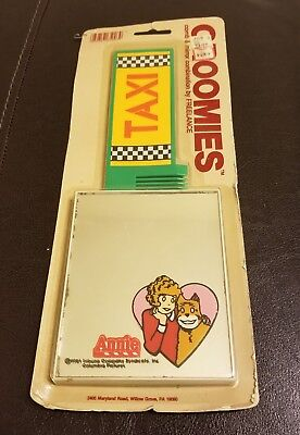 New Sealed 1981 Orphan Annie Groomies Comb And Mirror Combination