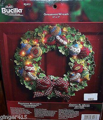 """Bucilla """"ORNAMENT WREATH"""" Lighted Felt Christmas Kit OOP VERY RARE 85453 New"""